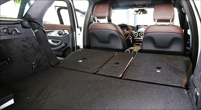 Khoang hành lý Mercedes GLC 200 2019 thiết kế rộng rãi, thoải mái