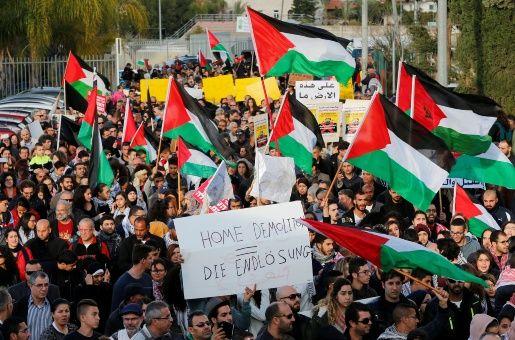 Protestan en Israel contra demolición de casas en Palestina