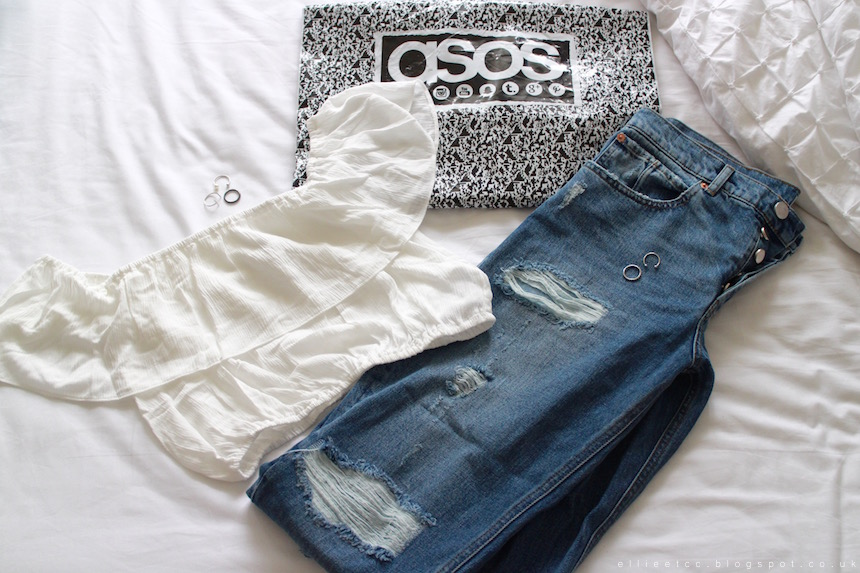 ASOS, haul, New In, shopping, fashion, style, off the shoulder, off the shoulder top, boyfriend jeans, rings, ripped jeans, 70's,