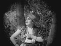 "Кадр из фильма Чарли Чаплина ""Пародия на Кармен"" / Burlesque on Carmen (1916) - 2"