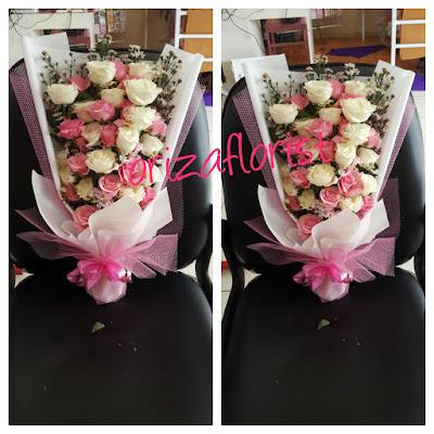 buket bunga pengantin di surabaya, harga buket bunga mawar surabaya, harga buket bunga mawar surabaya
