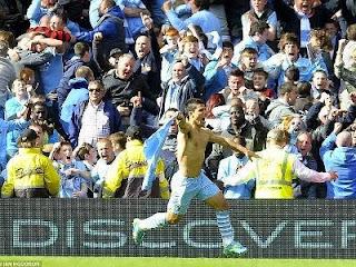 Selebrasi Sergio Agero Setelah Mencetak Gol dan Membawa City Juara Liga Inggris