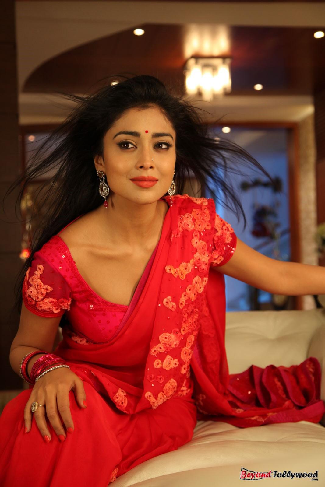 Nayanthara hot etotic movie scenes collection - 3 1