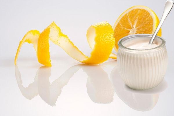 Chế biến mặt nạ trắng da bằng cam tươi vào mùa hè