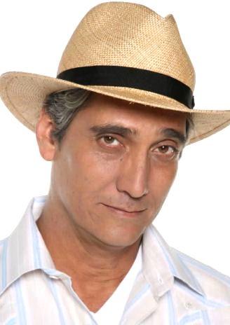 Foto de Guillermo Dávila con sombrero
