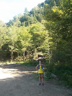 Coureuse de trail, Vallée-Bras-du-Nord, l'été