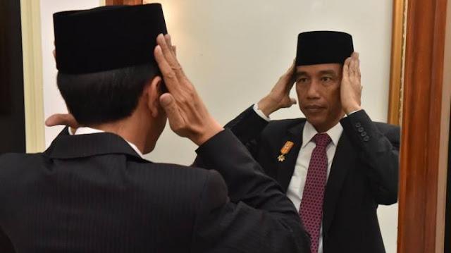 Elektabilitas Terus Menurun, Jokowi Disarankan Perbanyak Istighfar