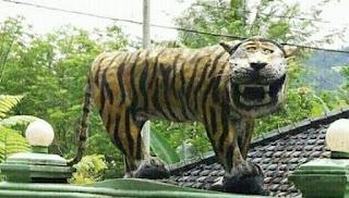 Patung Harimau Lama