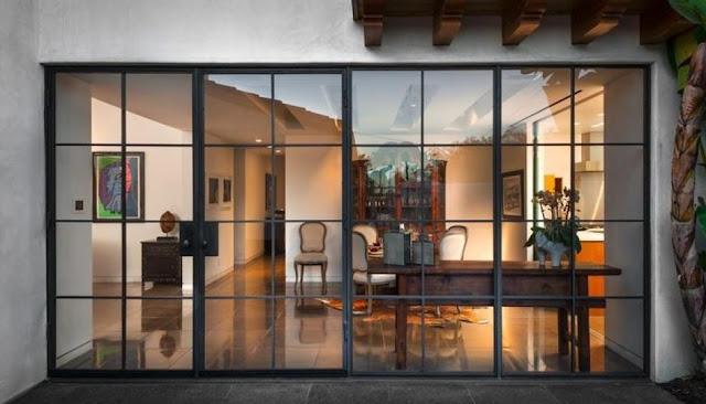 Xây dựng phòng cá nhân với cửa trượt toàn kính