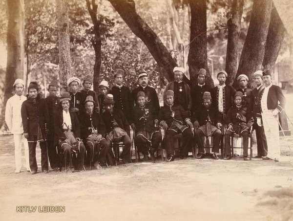 Tahukah? Para Sultan di Nusantara Mayoritas berbaiat Tariqhah