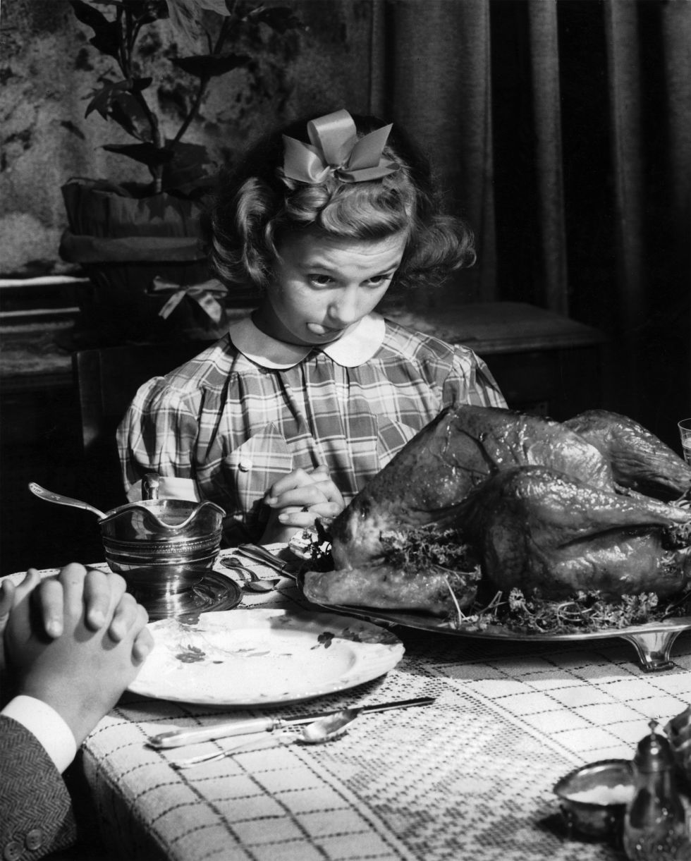 18 Vintage Photos Show How People Celebrate Thanksgiving