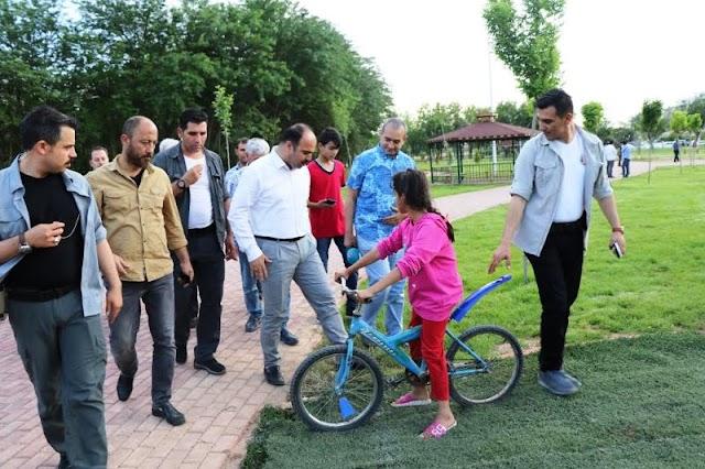 Bozova Kent Parkı İle Semt Pazarı Hizmete Sunuluyor