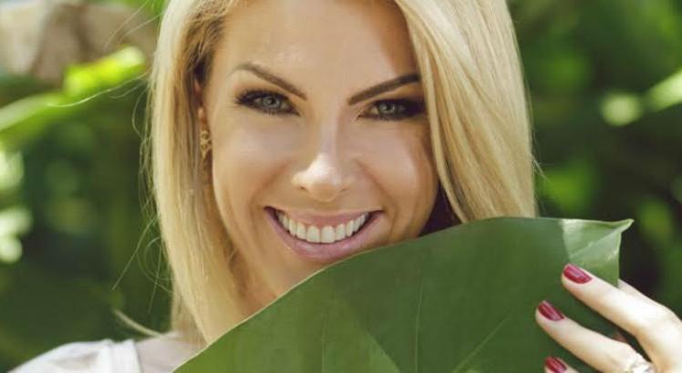 """Ana Hickmann News  O jardim secreto de Ana Hickmann  """"Um pedaço da ... 0d5e70a995"""