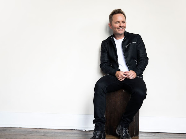 New From Chris Tomlin: Holy Roar {An Album Review + Giveaway} #HolyRoar #FlyB
