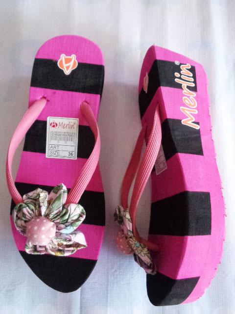 Sandal Merlin ASLI Spon Tebal Blaster pink hitam terbalik