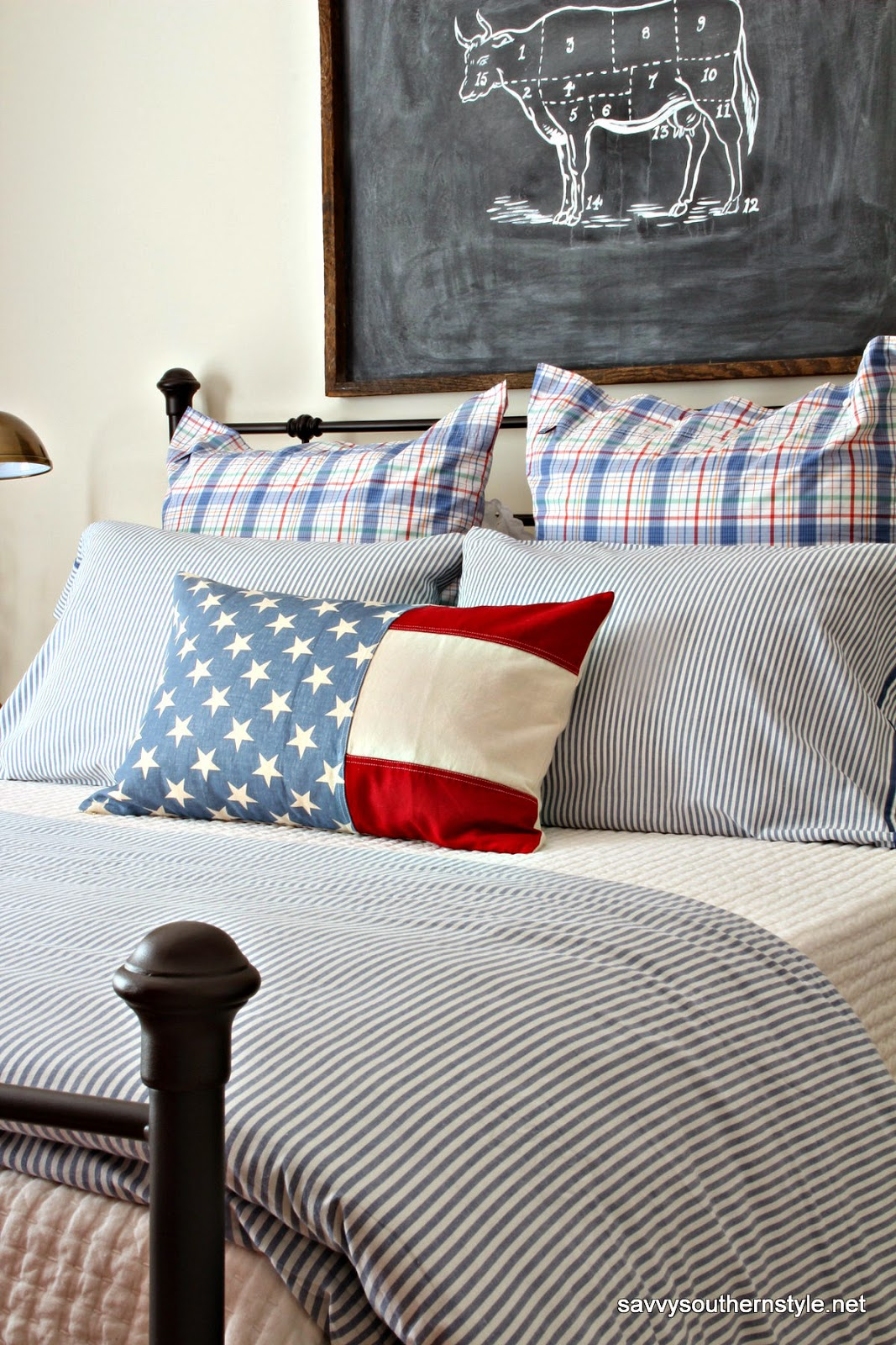 Southern Farmhouse Bedroom Ideas: Savvy Southern Style : A Patriotic Favorite Room