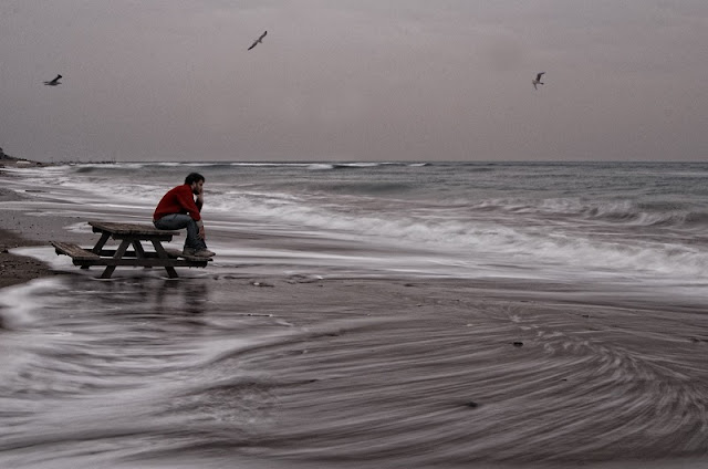 7 τρόποι για να ξεπεράσετε τη μοναξιά