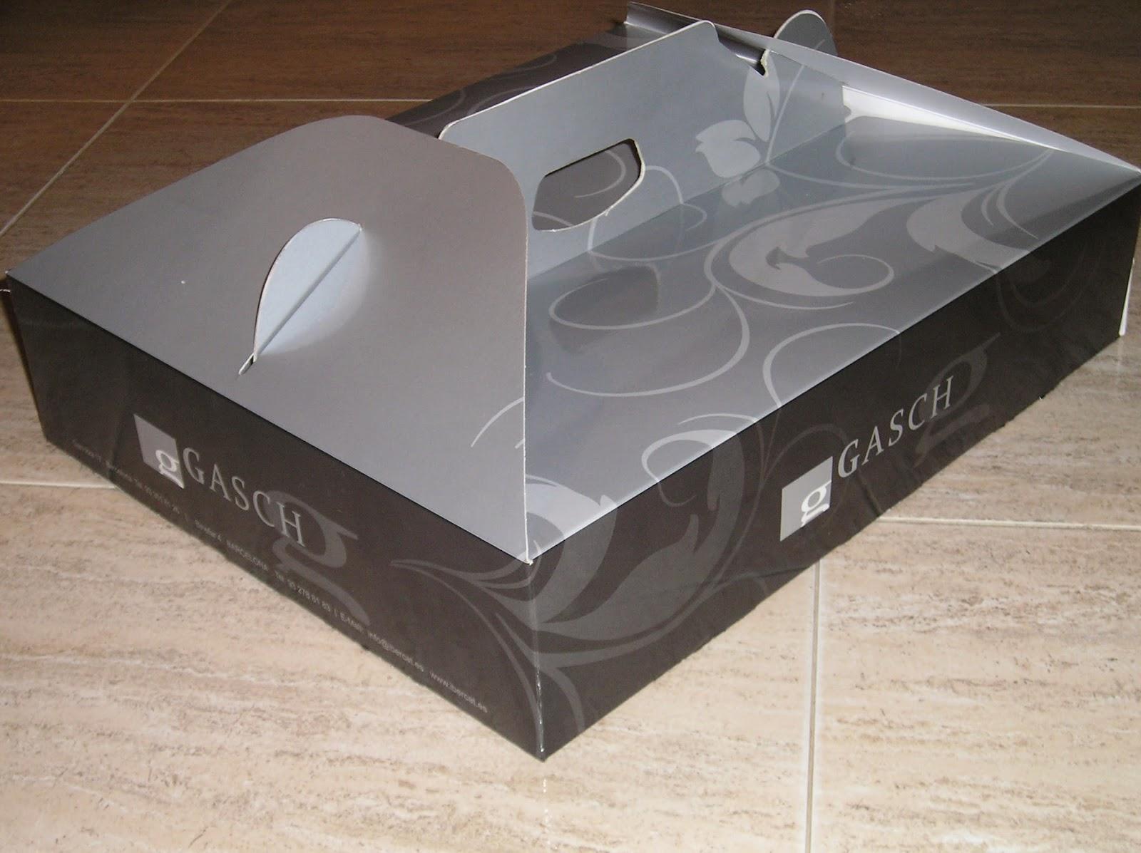 caja rectangular con asa