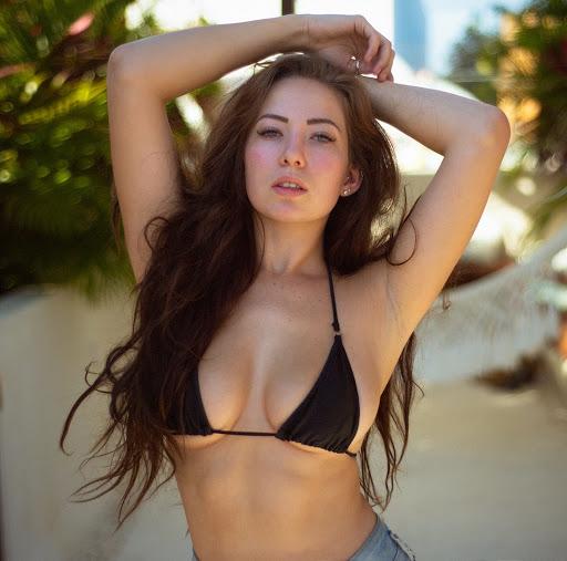 Alanna Pearson butt
