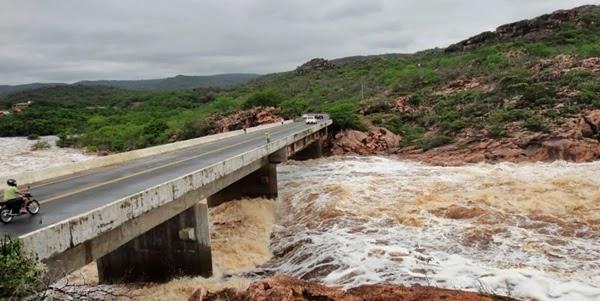 Forte chuva atingiu a cidade de Andaraí na Chapada Diamantina