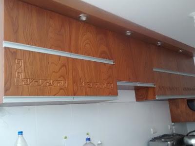 Repostero de madera tallado en Lima