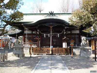 東成区中道の八阪神社本殿