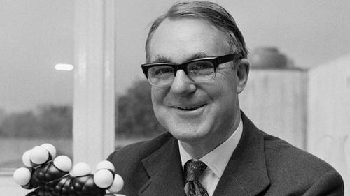 Mengenal Kehidupan Sir John Cornforth Sang Ahli Kimia