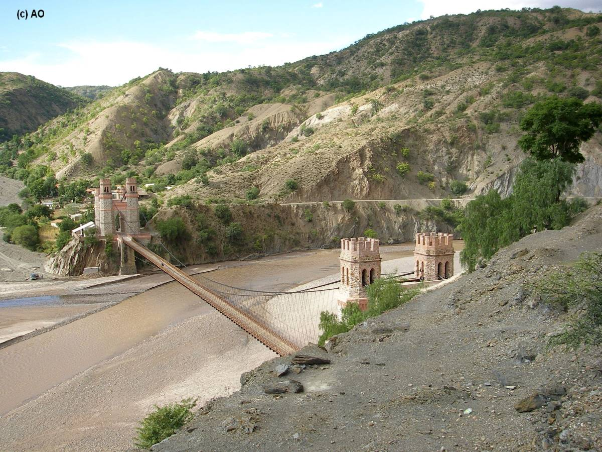 Puente arce sobre el r o pilcomayo de potos a sucre for Arquitectura quechua
