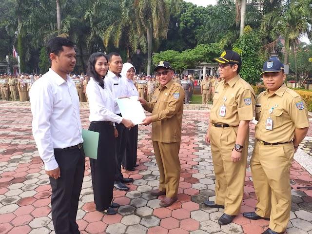 Walikota Serahkan SK Pengangkatan 236 CPNS