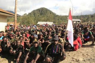 TNI: 155 Simpatisan Kelompok Bersenjata di Papua Menyerahkan Diri