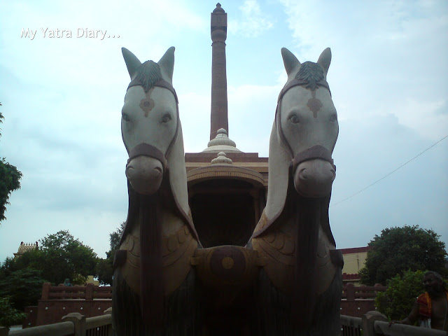 Horse statues displayed in the Gita temple premises,Mathura