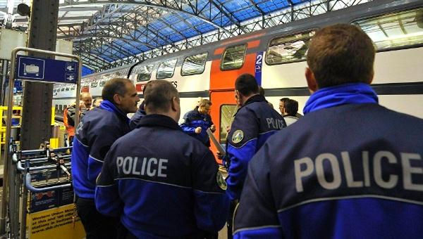 Un hombre incendia vagón de tren en Suiza y apuñala a pasajeros