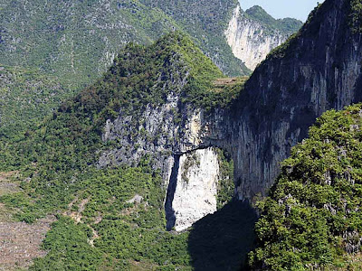 Ponte natural de Mengli – China