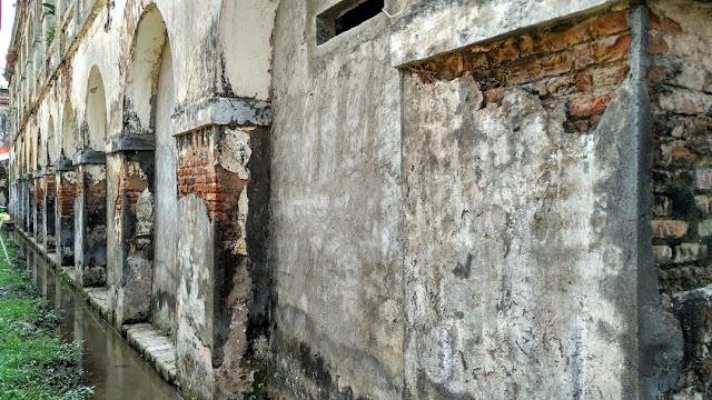 tembok fort willem II