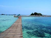Pesona Wisata pulau tidung dan mitos jembatan cinta