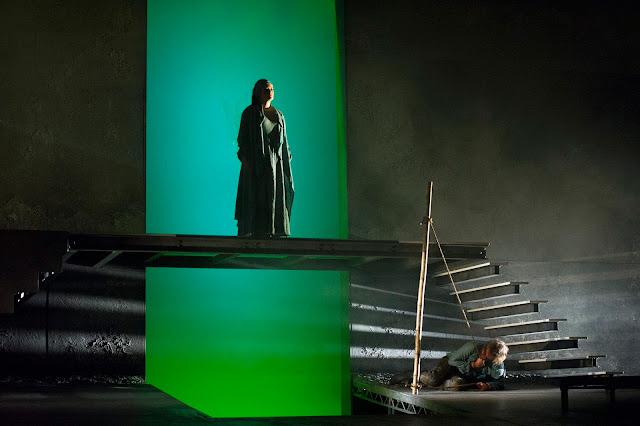 Iphigénie (Catherine Carby), Oreste (Grant Doyle) // Iphigénie en Tauride, English Touring Opera. Photo: Richard Hubert Smith