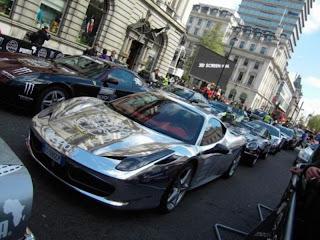 Auto de lujo cromado