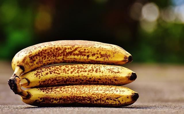 Fertilizantes ecológicos para tu huerto casero: cáscara de plátano