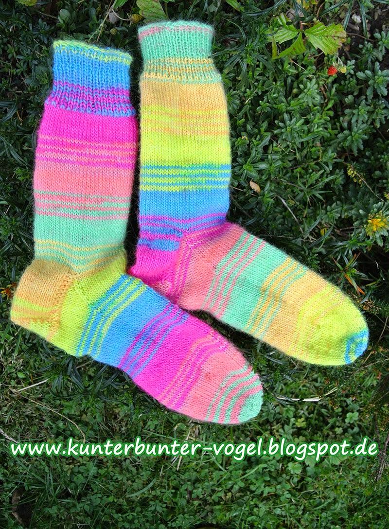http://kunterbunter-vogel.blogspot.de/2014/11/neonsocken.html