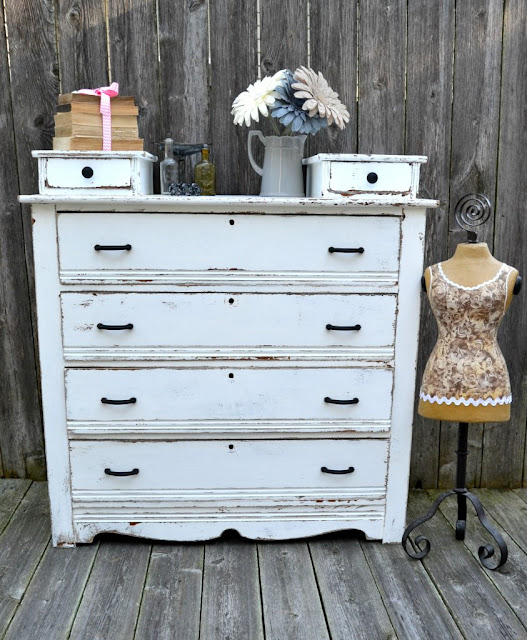 white farmhouse dresser