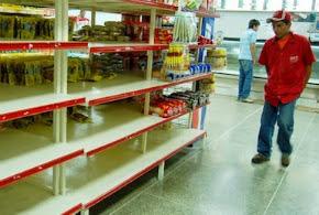 Uma cesta básica chega a custar 17 salários mínimos na Venezuela