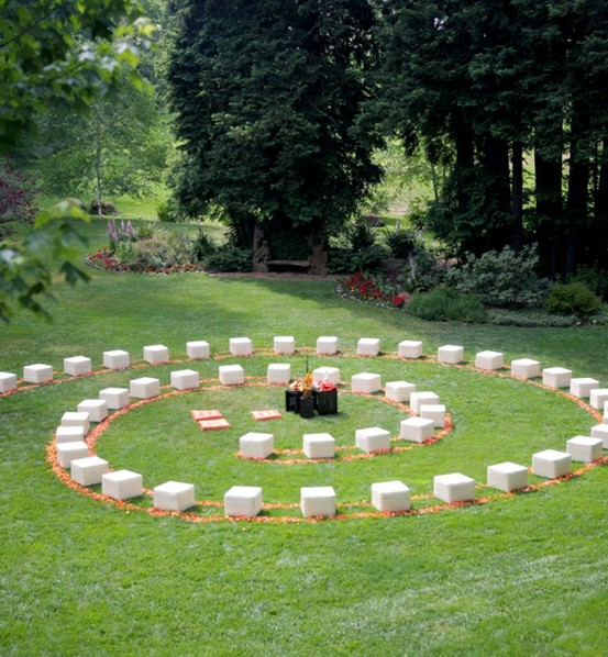 Wedding Ceremony Setup Ideas: Platinum Touch Events: {Trend Alert} Round Ceremony Seating