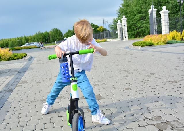 http://bubulinka.pl/pl/scootandride-highwaybuddy-2w1-hulajnoga-i-rowerek-blue.html