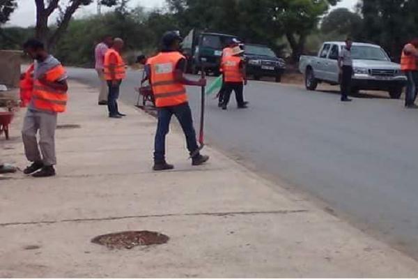 مصير مجهول يواجه عمال النظافة ببلدية الشلف