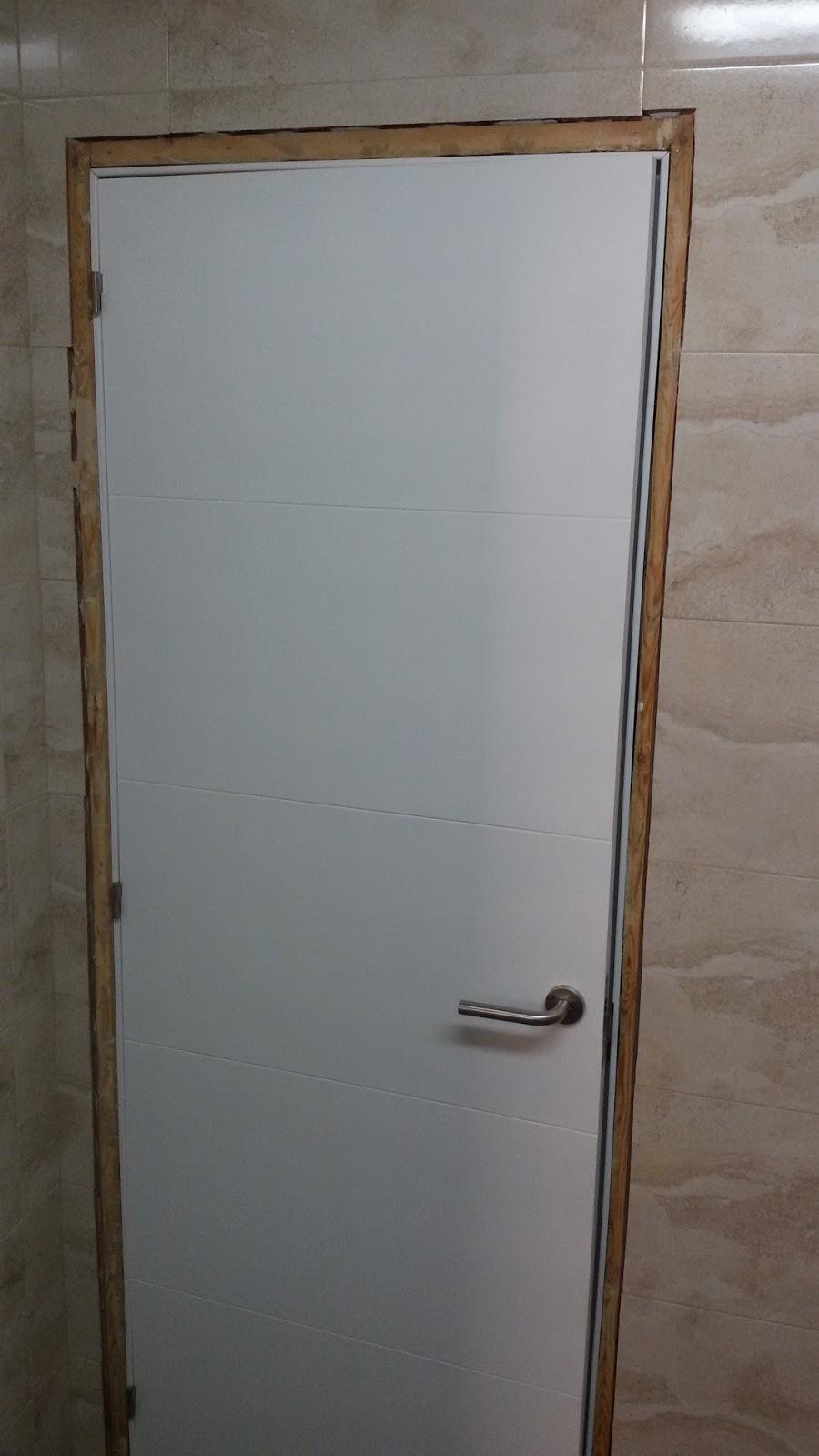 Puertas en block precios stunning puerta de gran calidad for Precio montaje puertas interior