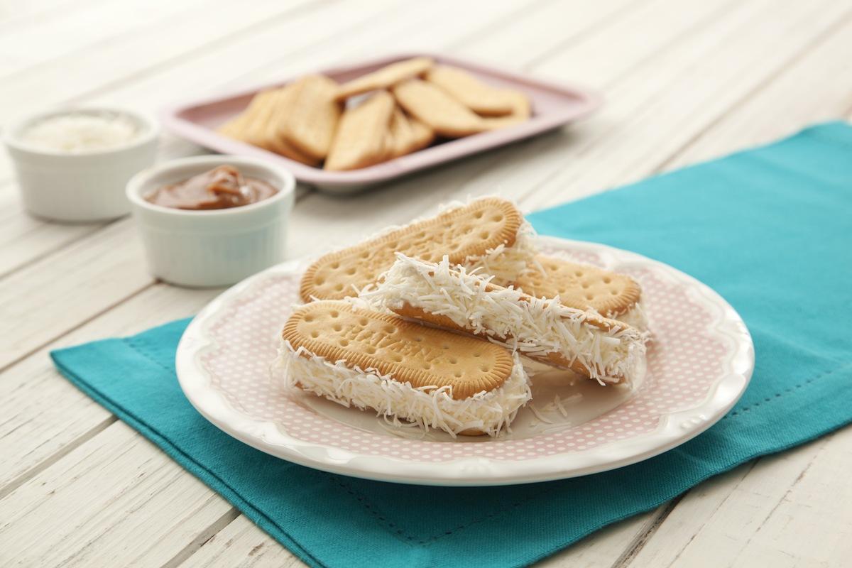 Receitas práticas e rápidas de sanduíche de sorvete, que são deliciosos e super refrescante!