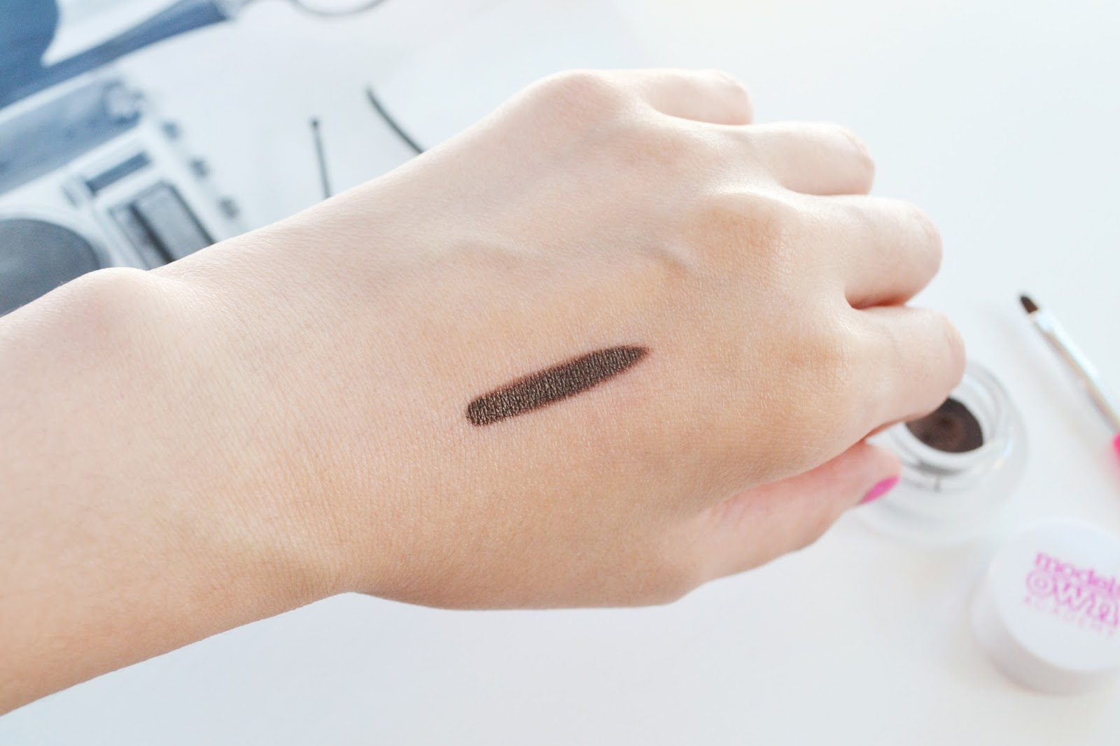 Gel eyeliner swatch in brown