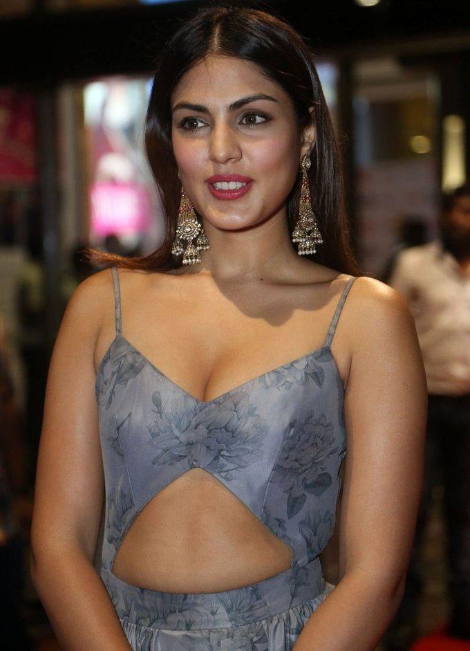 Rhea Chakraborty In Blue Dress At Jio Filmfare South Awards 2017