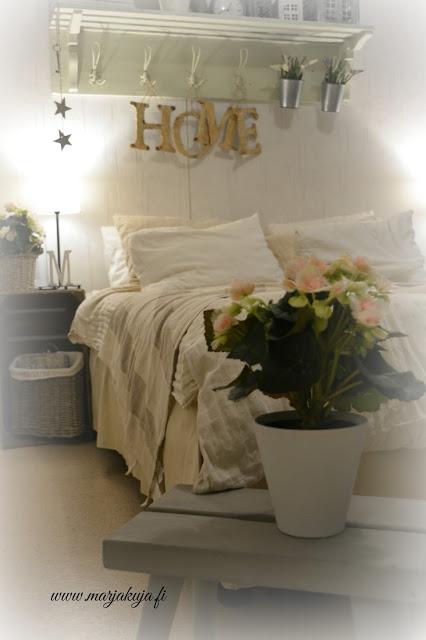 begonia makuuhuone maalaisromanttinen sisustus