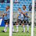 Grêmio goleia o São Luiz e se isola na liderança do Gauchão